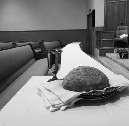 성찬식 테이블.jpg